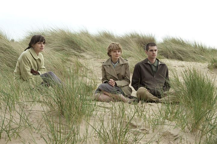 29 Days of Romance: Review #5, Never Let Me Go(2010)