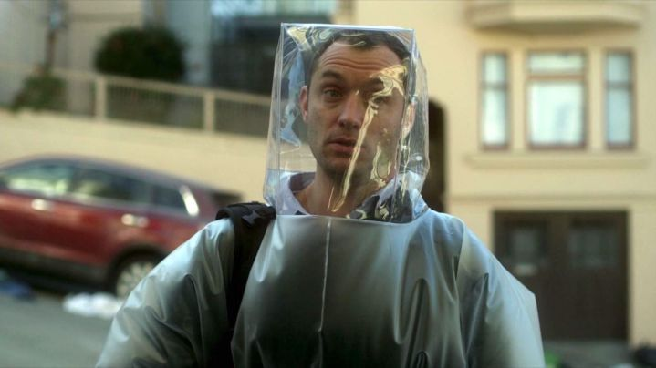 Contagion, Jude Law, hazmat